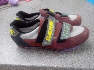 KolesarskI čevljI GAERNE