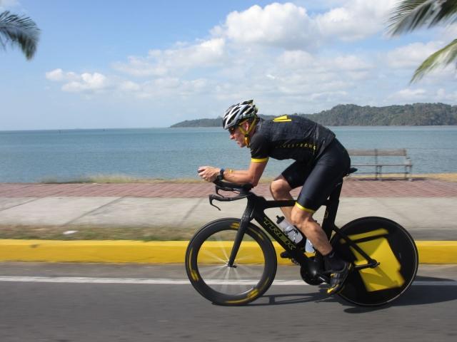 Armstrong ne bo smel tekmovati na svetovnem prvenstvu v triatlonu