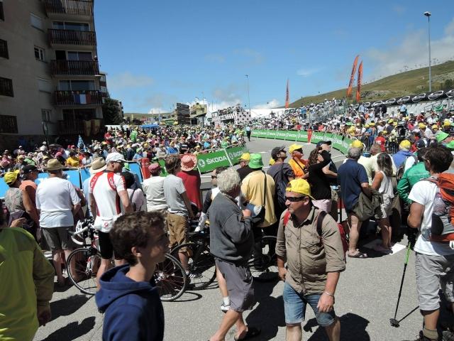 Tour 2018 na Alpe d'Huez, po tlakovcih in makadamu?