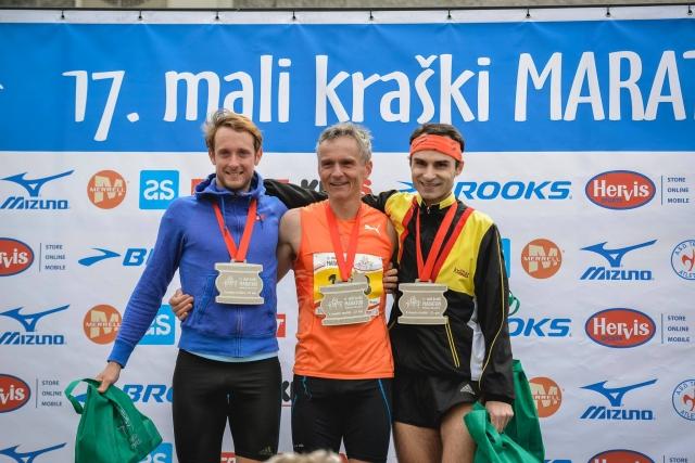 Mali kraški maraton: na polmaratonski razdalji najhitrejša Gregor Kustec in Eva Zorman