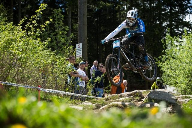 Jure Žabjek že drugič v letošnji sezoni zmagal na dirki za evropski pokal v spustu z gorskimi kolesi