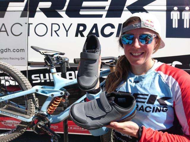 Shimano z novo linijo gravitacijske obutve in pedal