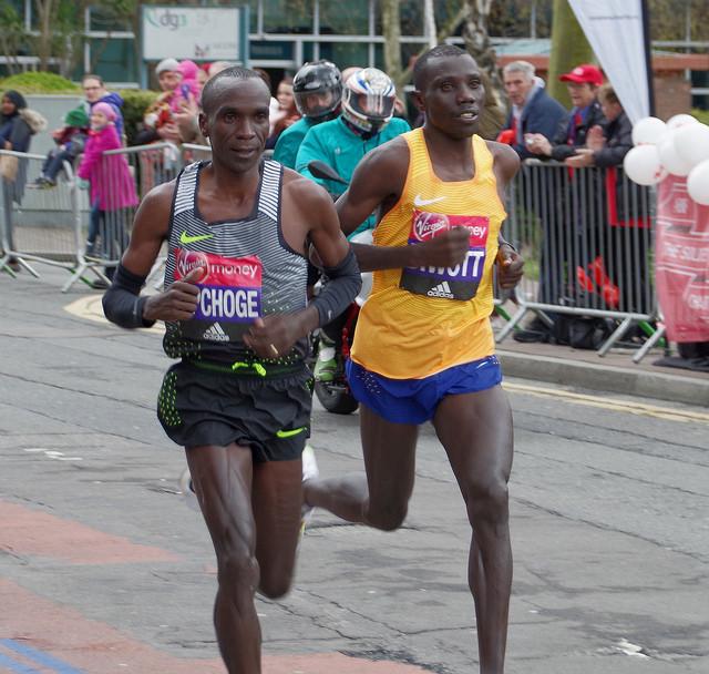 Kipchoge in Cheruiyotova zmagala na maratonu v Londonu