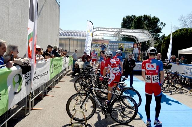 V Zeleni laguni Italijan premagal dva kolesarja Adrie Mobila
