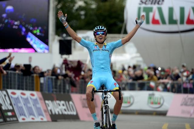 Rosa z epsko vožnjo do zmage, Simon Špilak pred koncem 12.