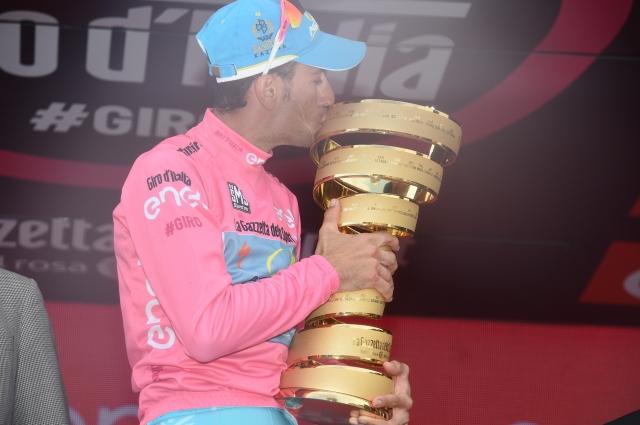 Nikias Arndt vendarle do zmage, Vincenzo Nibali junak treh tednov