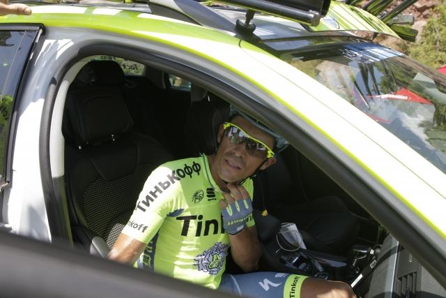 Alberto Contador zbolel in odstopil
