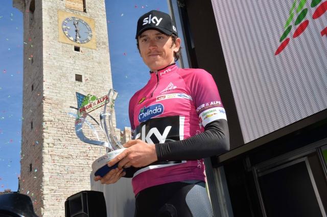 Pinot dobil etapo Thomas z zmago pred Girom opozoril nase