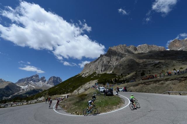 Giro predstavitev: Osem ciljnih vzponov, makadam, Zoncolan in Rim