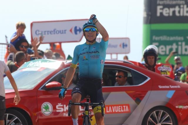 Astana s kar 30 kolesarji v 2018
