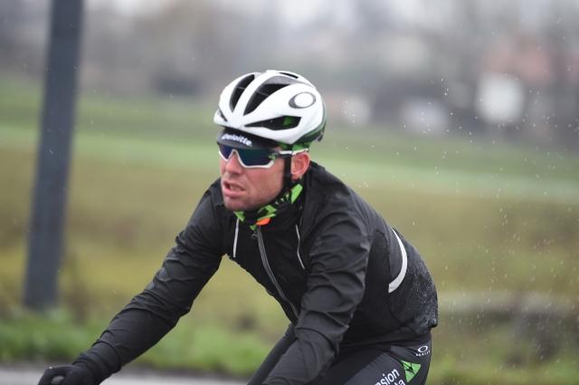 Cavendish spet grdo padel ... a brez hujših poškodb (VIDEO)