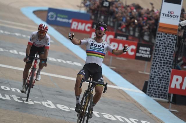 Roubaix: Peter Sagan z dolgim pobegom do zmage