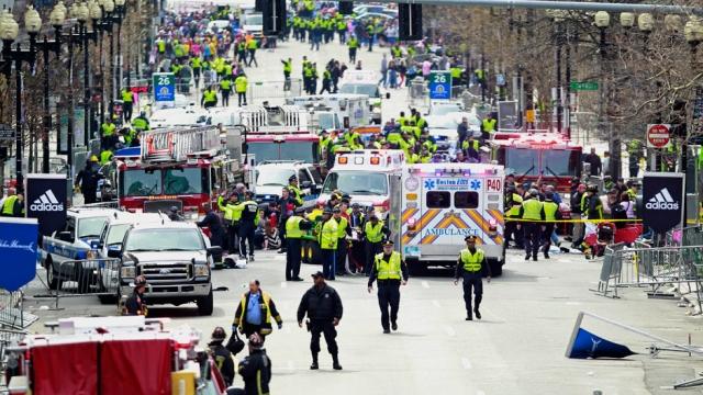 Bombni eksploziji prekinili bostonski maraton