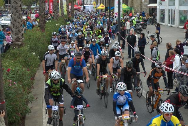 Več kot 600 kolesarjev je uspešno odpeljalo že tretji Obalni kolesarski maraton