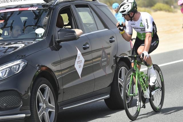 Mark Cavendish padel zaradi avtomatskih zavor