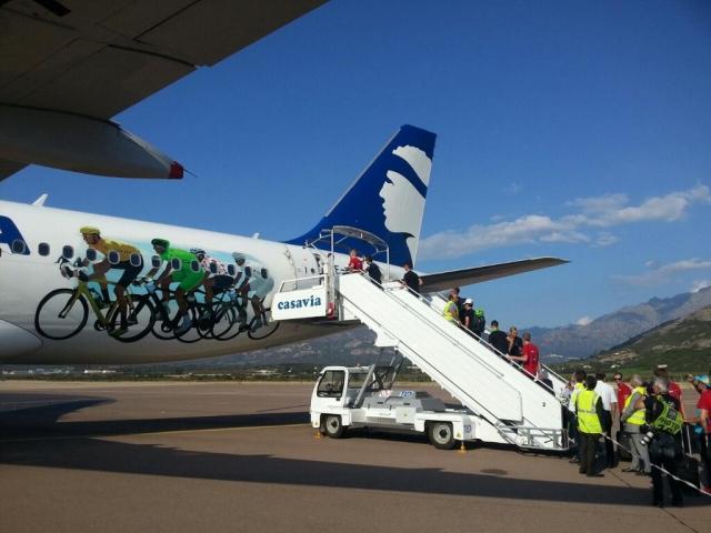 Kratke s Toura: Nasvidenje Korzika, Sky oslabljen, opravičilo voznika, Pantaniju lahko odvzamejo Tour ...