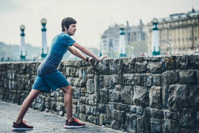 Kako najhitreje okrevati po prazničnem prenažiranju