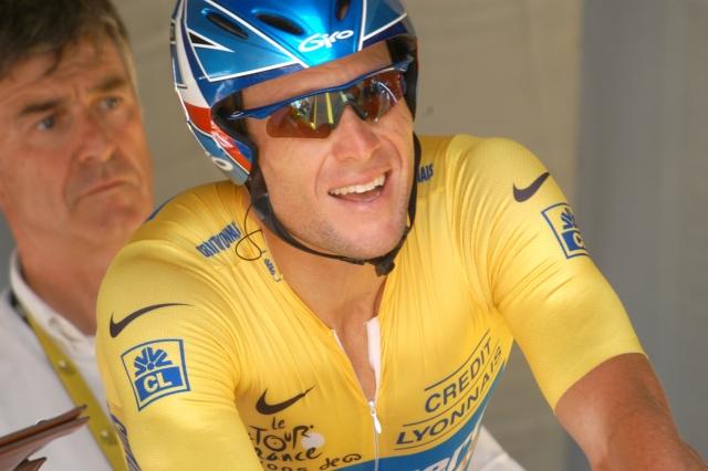 Usada Uciju predala tisoč strani dokazov proti Lanceu Armstrongu in uradno sporočilo za javnost