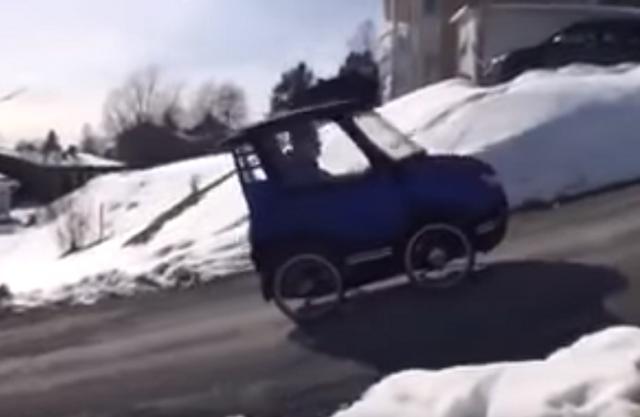 Avtomobil? Ne, kolo ... (VIDEO)