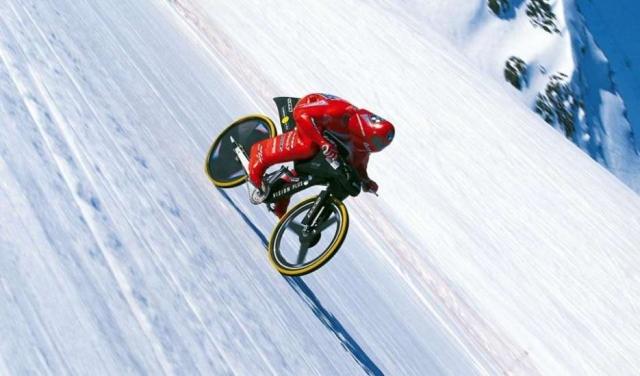 Svetovni rekord: Z gorskim kolesom 223 km/h!