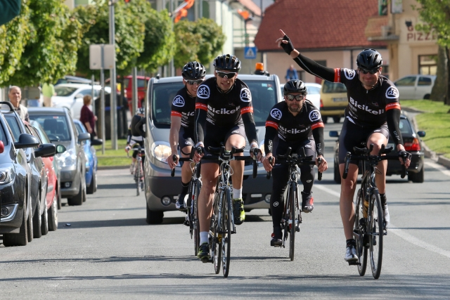DOS: Erik Rosenstein veliki junak, ekipa Bicikel.com postavila rekord