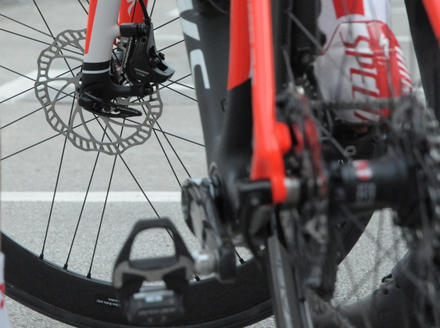 UCI razmišlja o ponovnem testnem obdobju disk zavor