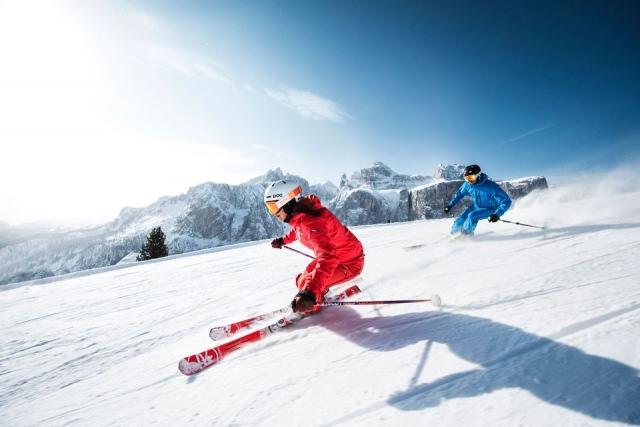 Smučarska sezona je pred vrati: Kako se pripraviti na brezskrben dan na snegu?
