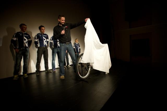 Premiera filma Cape Epic '11,  UNI Team na kolesih  CULT