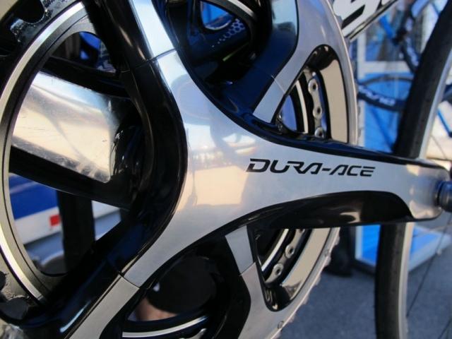 Dura-Ace Di2 prestavne ročice povezljive s kolesarskimi računalniki
