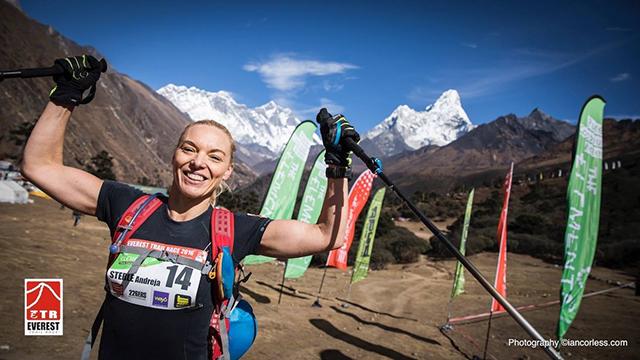 Slovenka zmagovalka teka okoli Mount Everesta