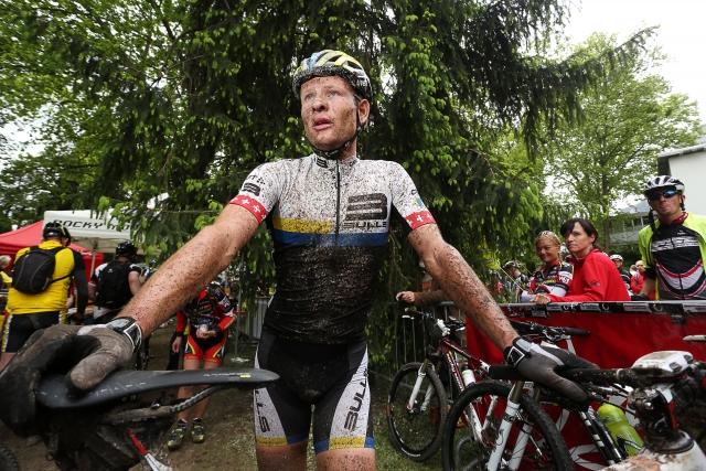 Blatna otvoritev sezone gorsko kolesarskih maratonov