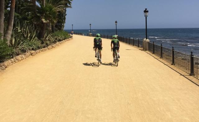 Vuelta: Prolog razburja kolesarje ... res prenevarno?