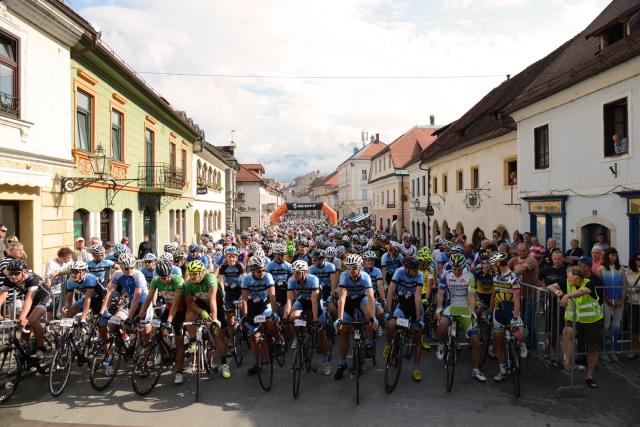 Maraton Alpe Scott s slikovito in zahtevno traso navdušil preko 660 kolesarjev