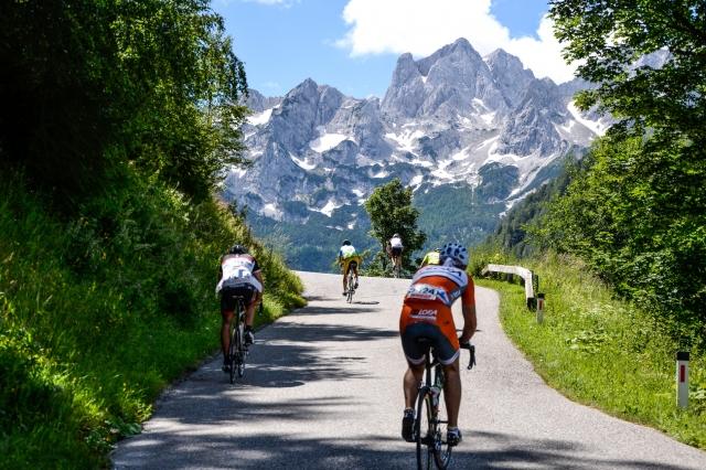 Maraton Alpe Scott s slikovito in zahtevno traso navdušil 640 kolesarjev