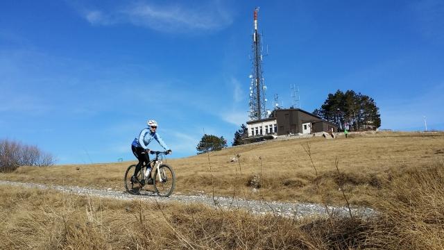 Med gorskimi kolesarji priljubljen Slavnik odslej tudi z rekreativno gorsko kolesarsko preizkušnjo