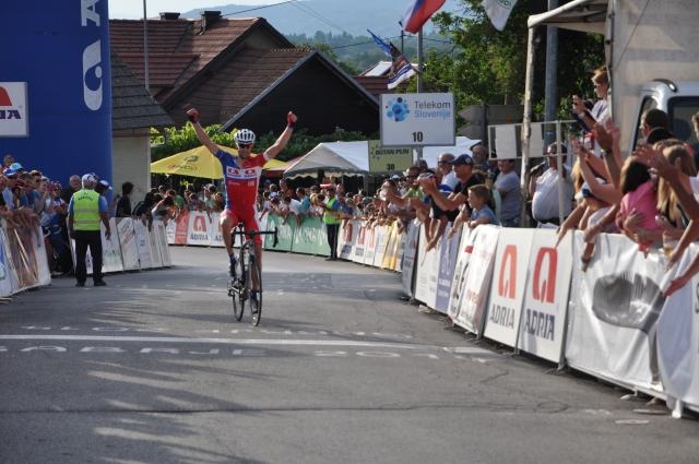 Mirna Peč spet gosti najboljše kolesarje