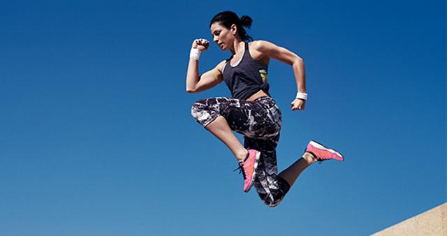 Kako pridobiti mišice in izgubiti maščobo? Jejte beljakovine!