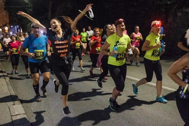 Letošnja 12. Nočna 10ka z rekordnim številom tekačev