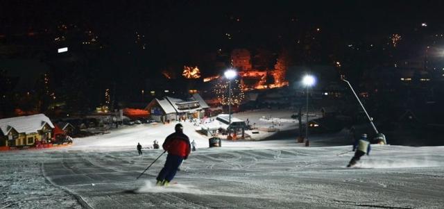 Veste, koliko slovenskih smučišč ponuja nočno smuko?