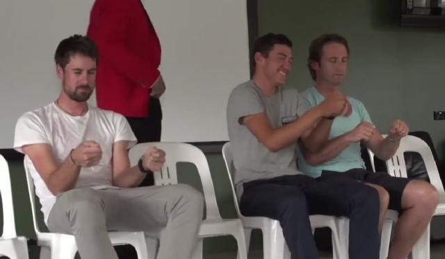Kolesarji Orice hipnotizirani. Smeh zagotovljen (video)
