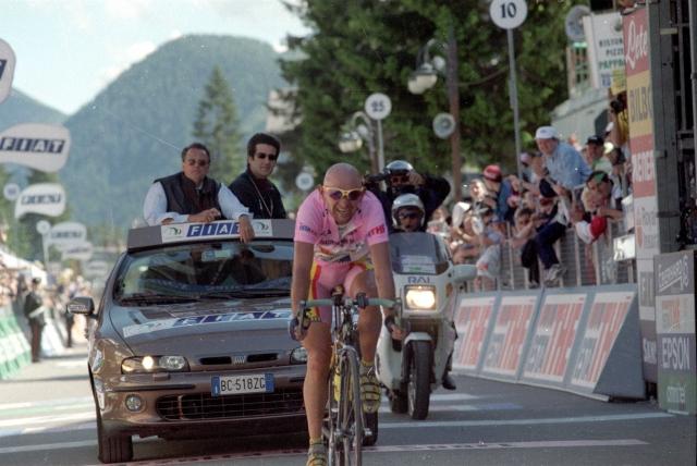 Giro: Prvič po Pantanijevi drami v Madonno Di Campiglio