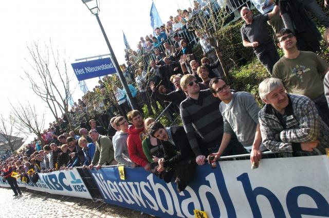 Flandrija: Priprave gledalcev in Toma Boonena (video)