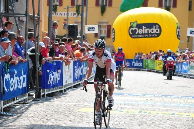 V Baskiji Simon Špilak ob najboljših, zmaga Simonu Gerransu! V Avstriji odličen Jure Golčer!