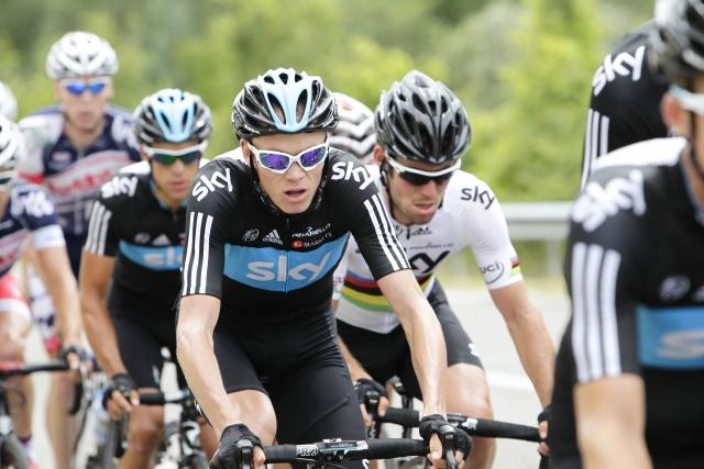 Izjemno močni Sky s Froomeom proti Contadorju