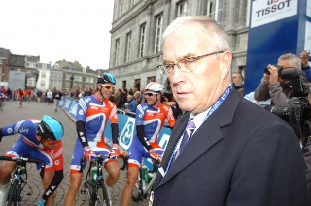 UCI: Vsi vpleteni naj vrnejo denar