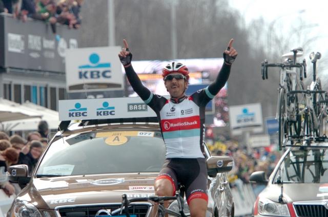 Flandrija: Cancellara Sagana zlomil v zadnjih metrih vzpona! (video in foto)