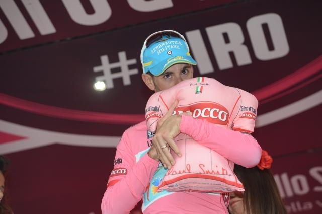 Bradley Wiggins konkurence ni potolkel, Vincenzo Nibali v rožnatem! (foto)