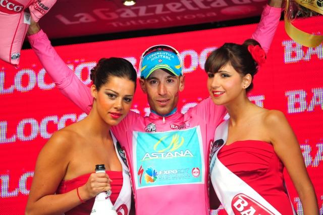 Vincenzo Nibali dokončno zlomil tekmece