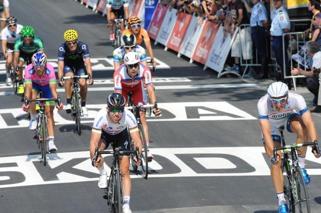 Marcel Kittel na črti mimo Cavendisha, Froome izgubil pomočnika (foto)