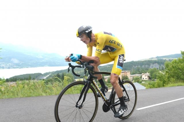 Chris Froome za 8,8 sekunde ugnal Alberta Contadorja! (foto)